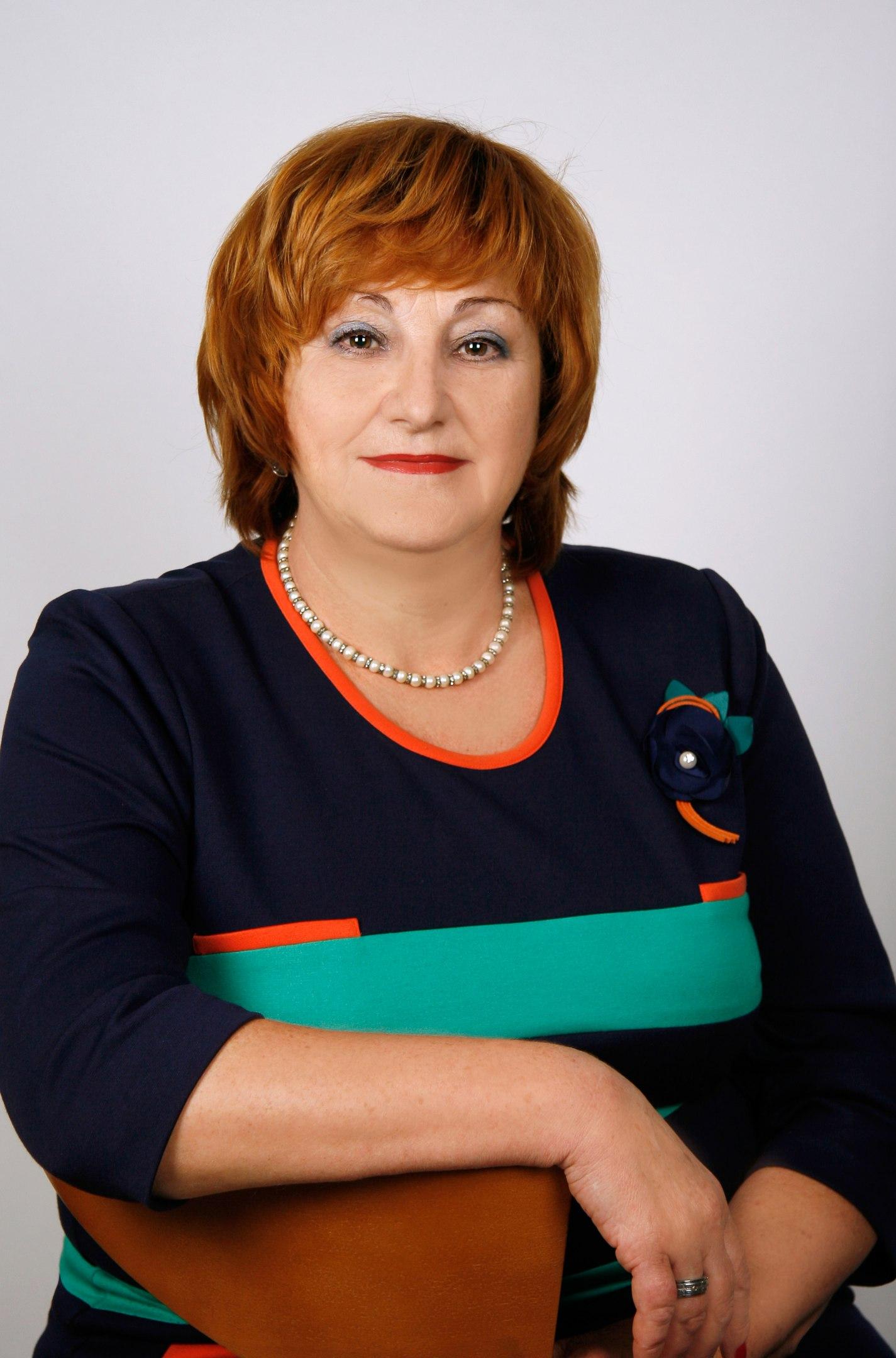 Елена Соколовская: Руководители органов управления образования всех уровней должны обратить внимание на условия труда, зарплаты и нагрузку педагогов