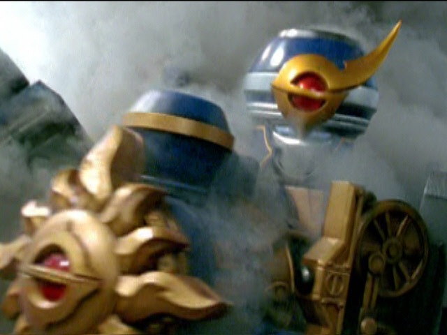Solar Streak Megazord First Battle (Power Rangers Mystic Force).