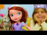 Видео для детей. Игры с куклами: Принцесса София и Элис делают короны. Детское творчество