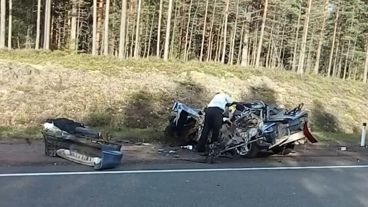 Вжутком ДТП на«Скандинавии» умер шофёр «Форда» изКоми