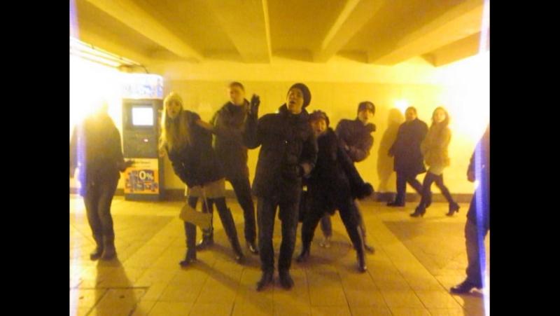 2011-11-23_Студия эстрадного вокала На-Заре в метро в г. Мокве » Freewka.com - Смотреть онлайн в хорощем качестве