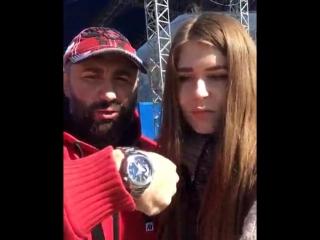 Вячеслав Максюта пообещал подарить личные часы самому сильному школьнику Саратова