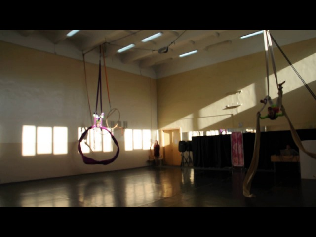 Куклы. Воздушные гимнастки на полотнах. Вика Кочурова и Аня Смольская