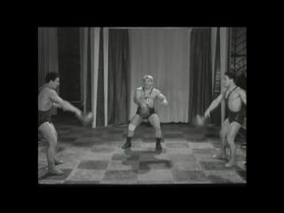 Силовые жонглеры. Григорий Новак с сыновьями.