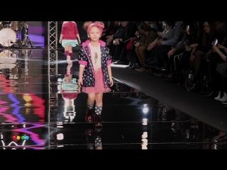 Модный показ Детского мира  в стиле рок на Mercedes-Benz Fashion Week Russia 2017г.