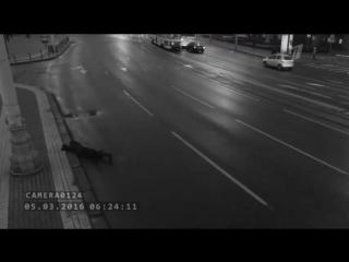 Выпадение из машины (дублирую актрису Л. Ильяшенко). Сериал