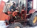 попытка запуска трактора т-25