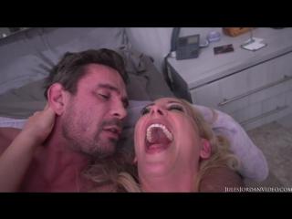 [JulesJordan] Cherie DeVille - MILF Has Her ASS Destroyed By Manuel (HD порно видео секс девушки молоденькие)