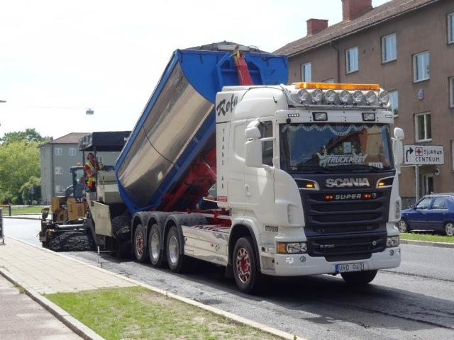 Asfaltering i Linköping, från asfaltverket till gatan