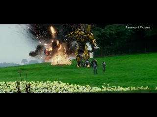Transformers: The Last Knight - Extended Clip #2 'Robot Dementia'