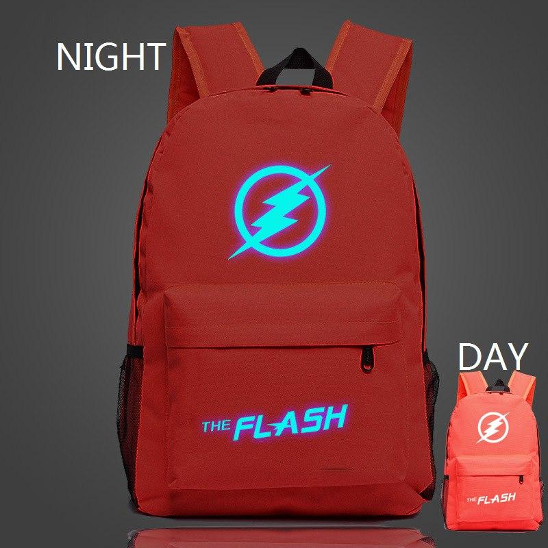 Рюкзак с подсветкой символа The Flash ночью