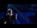 Adele with Jennifer Nettles - Chasing Pavements (Live at Grammy's 2009)