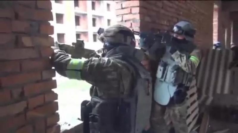 Спецоперация ФСБ Спецназ штурмует главаря «КИЗЛЯРСКОЙ» БАНДГРУППЫ оперативная съёмка
