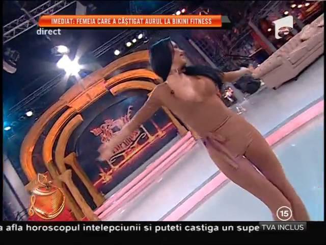 Daniela Crudu și-a arătat sânii în timpul unui dans senzațional