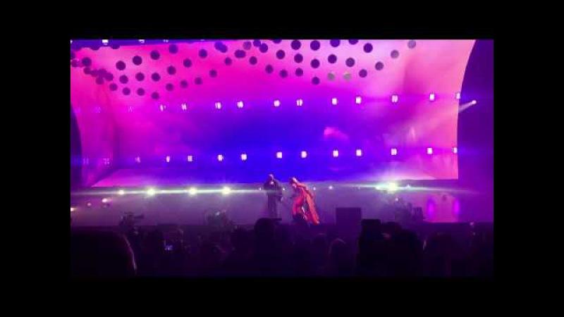 Drake Rihanna Perform