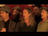 Автралийкий мужской хор исполняет советские песни на русском
