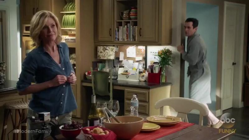 Американская семейка / Modern Family - 8 сезон 21 серия Промо Alone Time (HD)