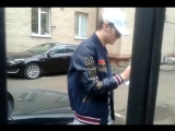 Владислав Рамм раздает автографы. (480p)