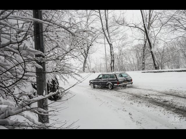 1984 Mercedes-Benz 300TD Turbodiesel Snow Frolic