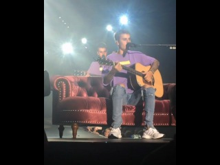Justin Bieber singing Fast Car acoustic at Purpose Tour in Oslo, Norway - September 24, 2016