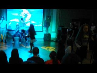 Академия Москва ноябрь 2016 Танцевальный баттл Ампилогова Ирина и Тоня Володина (первый раунд)