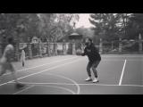 Видео из Instagram: Дрейк играет в баскетбол с друзьями