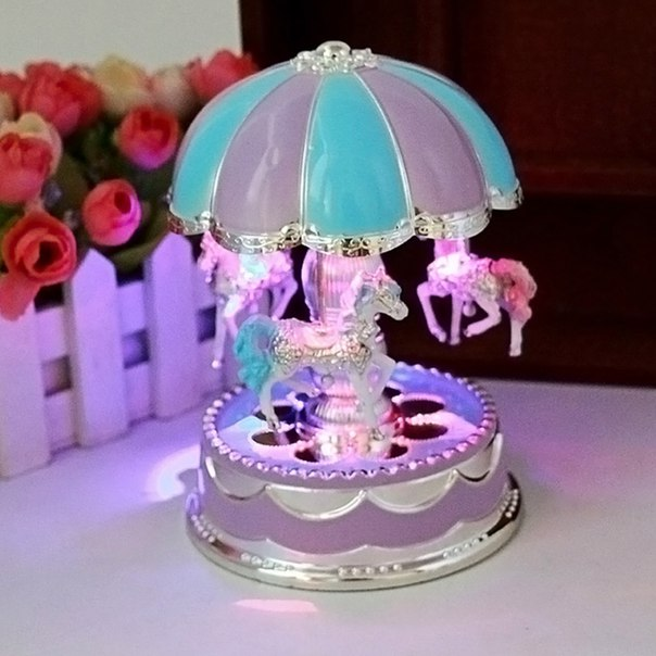 Музыкальная карусель  https://ru.aliexpress.com/store/product/Free-Shipping-LED-Light-Merry-Go-Round-Music-Box-Christmas-Birthday-Gift-Toy-Carousel-Random-Color/1282570_32617788755.html?detailNewVersion=&categoryId=1737