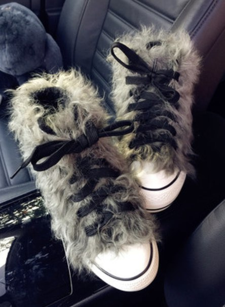 Пушистые кеды 🤗 https://ru.aliexpress.com/store/product/Winter-Designer-Women-Luxury-Raccoon-Hair-Boots-Canvas-Shoes-Fashion-Fur-Ankle-Snow-Bottes-High-Quality/2345368_32766090356.html?detailNewVersion=&categoryId=200000998