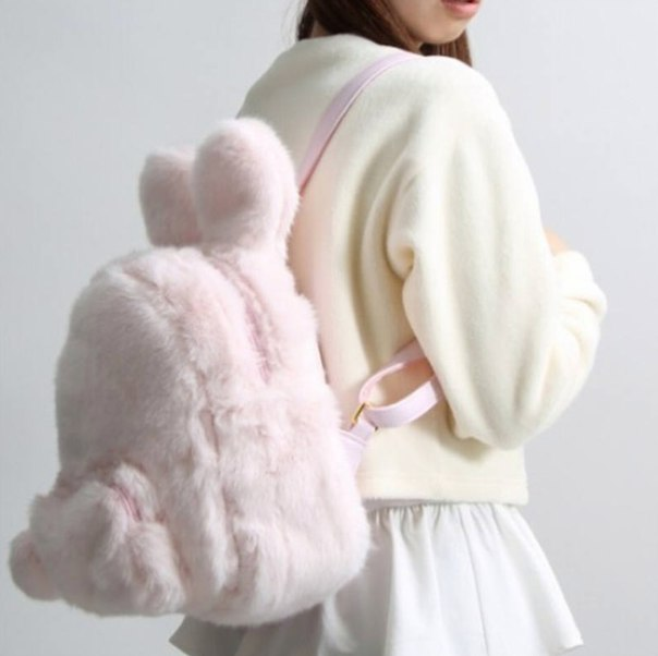 Очень мягкий рюкзак  https://ru.aliexpress.com/store/product/Cute-Bunny-Ears-Backpack-Rabbit-Fur-Double-Shoulder-Bag-Mochila-Masculina-School-Bags-For-Teenager-Girls/408436_32581684831.html?detailNewVersion=&categoryId=152401