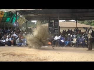 Танец маски Кумпо, Гамбия