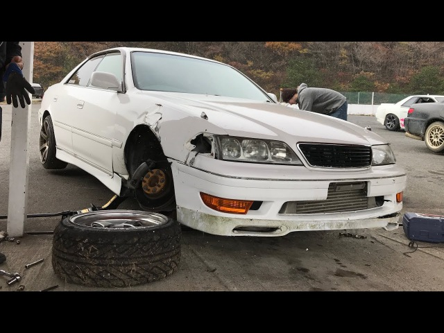 Aaron drifts the wheels off his JZX100 in Japan