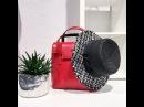 Выбирай всегда актуальную классику в аксессуарах красную жёсткую сумку от Gepherrini и шляпу в стиле Chanel от Cocoshnik, и не