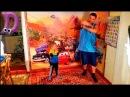 Танцующие дети ! Как нужно танцевать с папой и мамой видео для детей и родителей!