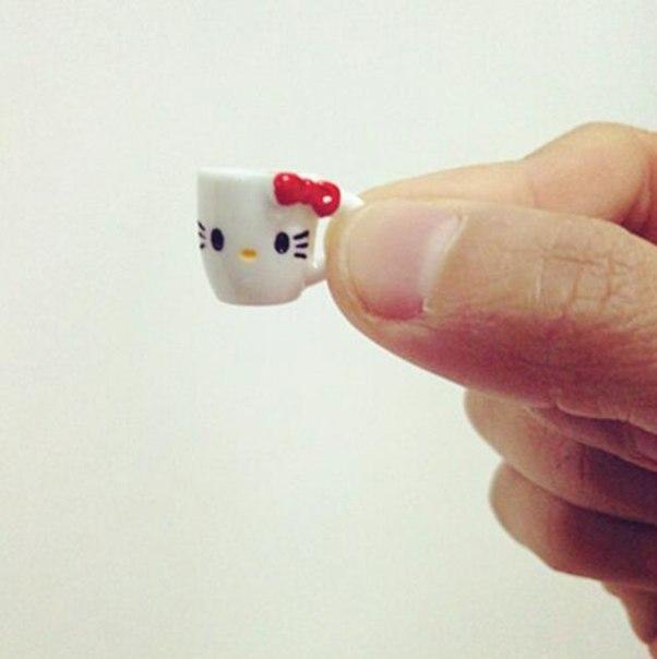 Мини чашки ))))  https://ru.aliexpress.com/store/product/10pcs-lot-Japanese-Kawaii-1-12-Dollhouse-Miniature-3D-Coffee-Latte-Espresso-Coffee-Cup-DIY-Doll/809186_32741441687.html?detailNewVersion=&categoryId=200042147