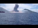 Это удивительно! Извержение вулкана в Папуа - Новая Гвинея.