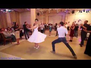 ქართულ ქორწილში პატარძლის და სტუმრების უმაგრესი ცეკვა რუსულ ინტერნეტ სივრცეს იპყრობს