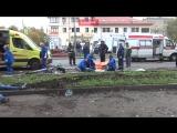 Появилось первое видео с места смертельного ДТП на автобусной остановке в Москве