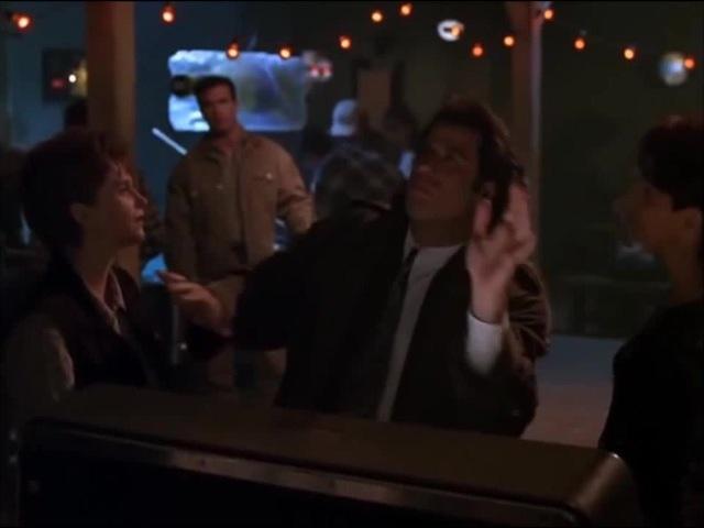 Travolta dance monatik