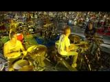 1000 музыкантов одновременно исполнили композицию  Nirvana - Smells Like Teen Spirit.