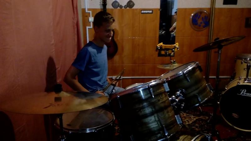 Никита Яхненко on drums versus Артем Федянин on guitar!BATTLE » Freewka.com - Смотреть онлайн в хорощем качестве