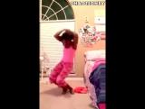 Рианна танцует под If I'm Dancing