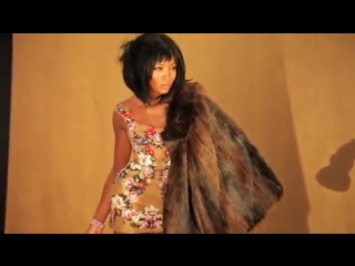 Naomi Campbell - behind the scenes of her photoshoot for Luxe Be a Lady