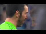 ABBRACCIO TRA Gianluigi Buffon & Iker Casillas LEGGENDARIO CON SCAMBIO DI MAGLIA PORTO JUVENTUS 0 2