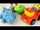 Видео для детей про Машинки. Киндер Сюрприз. Крокодил и Лягушка открывают Киндер.