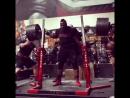 Кевин Оак, приседания 370 кг