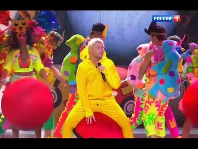 Николай Басков с песней Обниму тебя Новая Волна2016 Торжественное закрытие