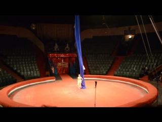 Жизнь Солнца Воздушная гимнастка на полотнах Анна Пузанова Государственный цирк г.Днепр 2016