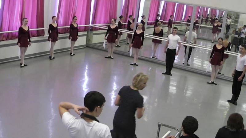 Контрольный урок по русскому танцу 105 БРХ 1 семестр 2016