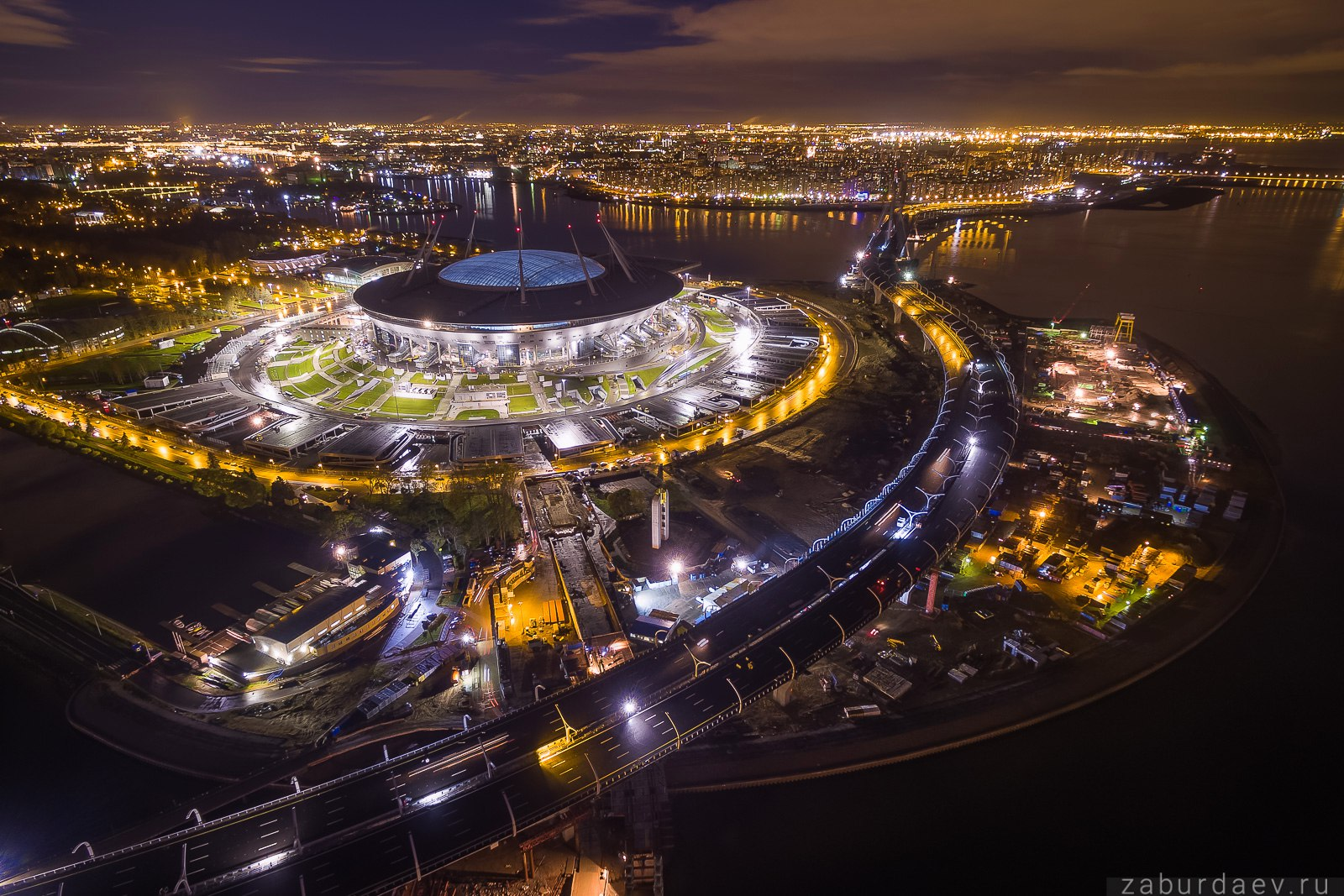 Стадион «Крестовский» и Западный скоростной диаметр