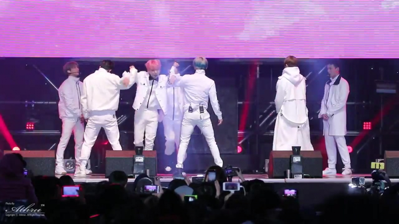 [VK][09.10.2016] Monsta X - Fighter (FanCam) @ SBS PowerFM Kim Changryul's Old School